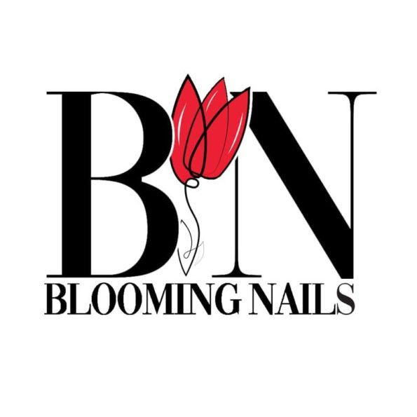 BLOOMING NAILS